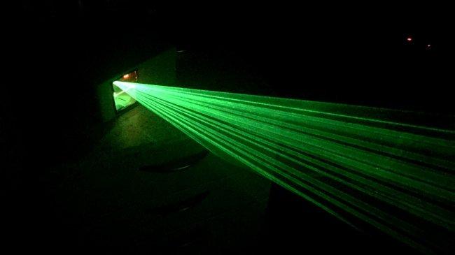 Дешевый лазерный проектор