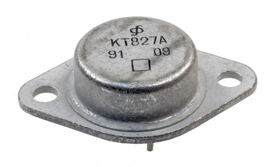 Транзистор Q4 крупным планом