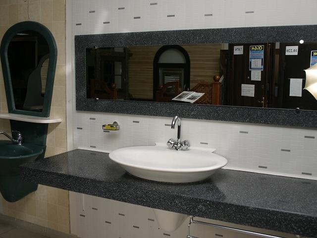 Столешница под раковину в ванной