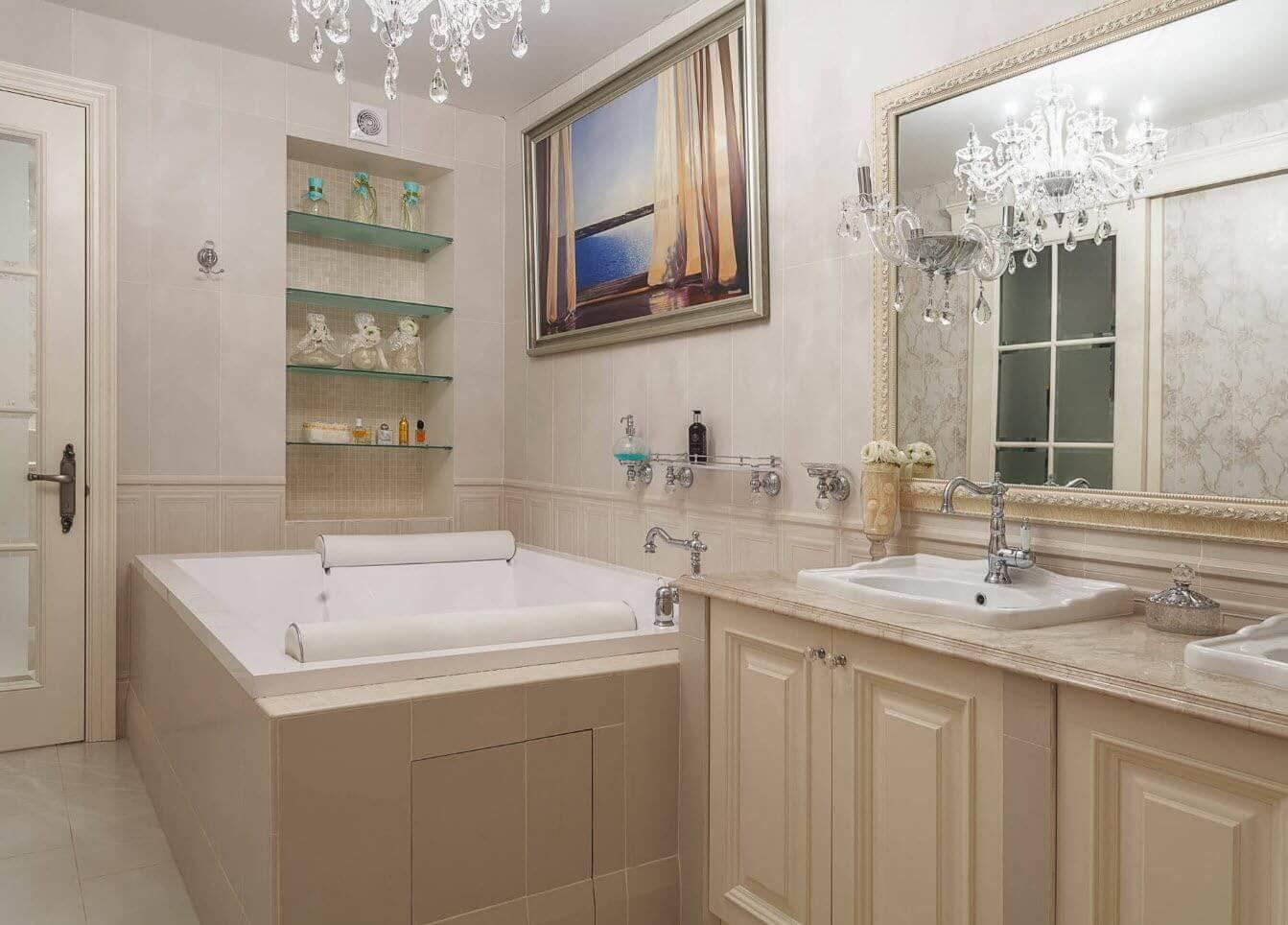 стеклянные полки в ванной комнате