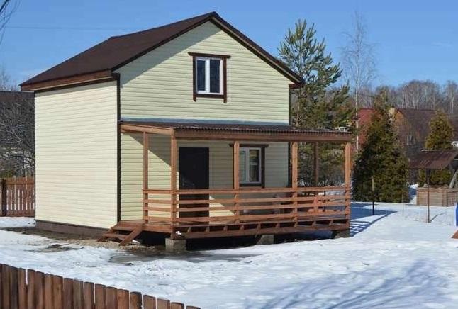 каркасный дом 6 на 6 с террасой