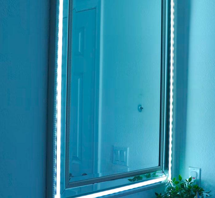 подсветка прямоугольного зеркала в ванной комнате