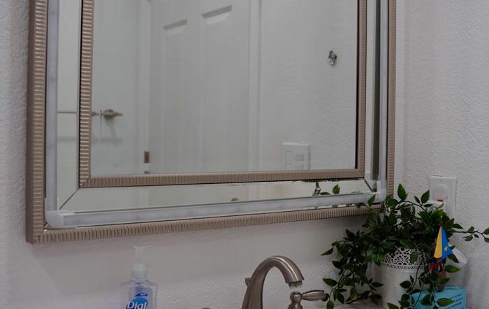 подсветка светодиодной лентой зеркала в ванной комнате