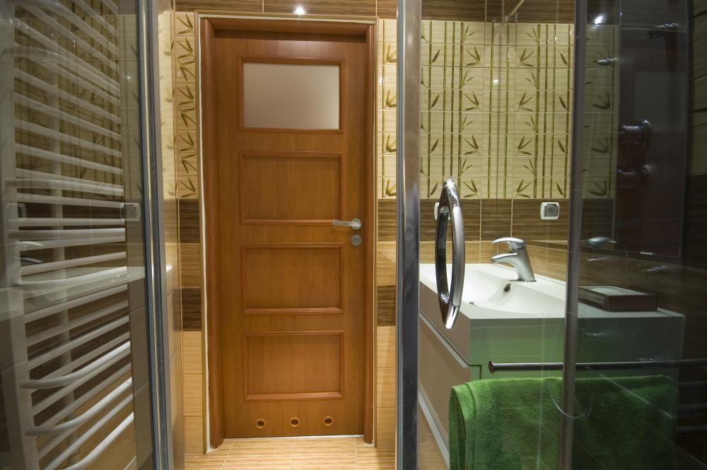 Двери в ванную комнату и туалет: какие лучше