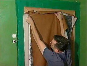 Обивка дверей дермантином - пошаговая инструкция