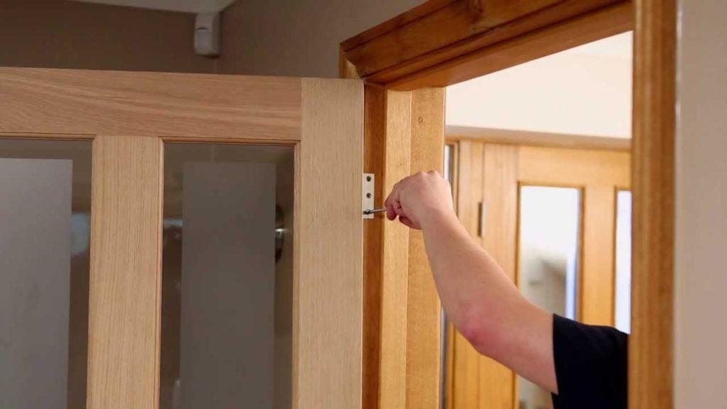 установка межкомнатных дверей 5