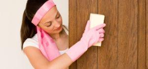 чистка ламинированных дверей