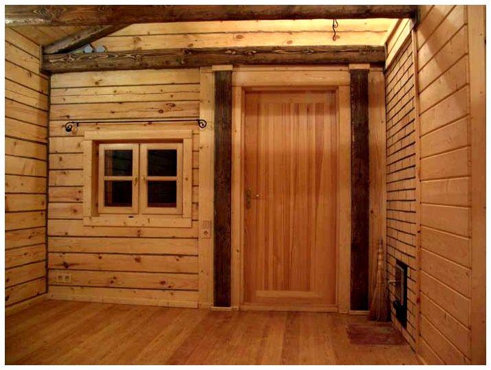 Дверь для бани входная