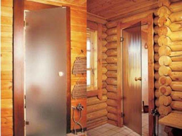 Дверь для бани в моечную