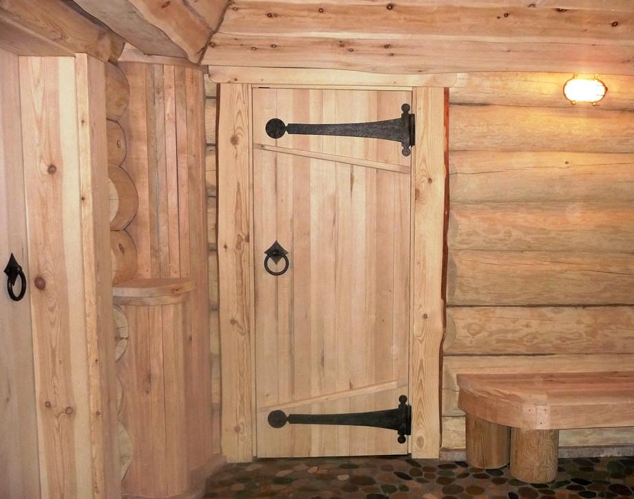 Дверь для бани в парилку