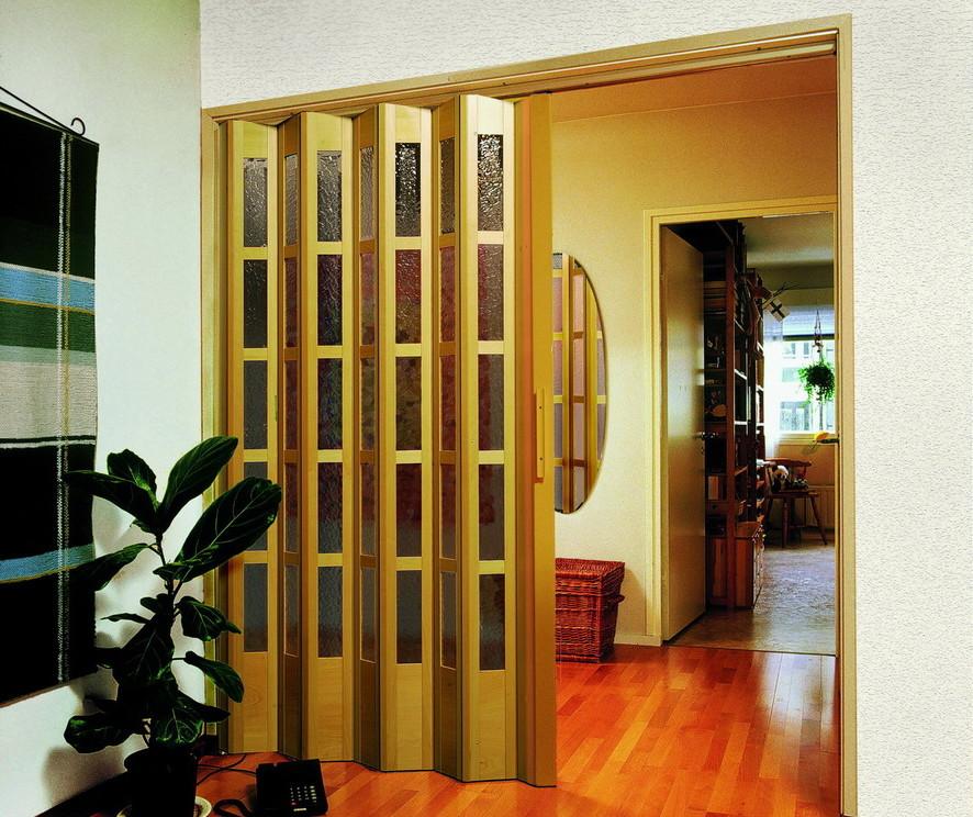 Дверь гармошка - преимущества и недостатки