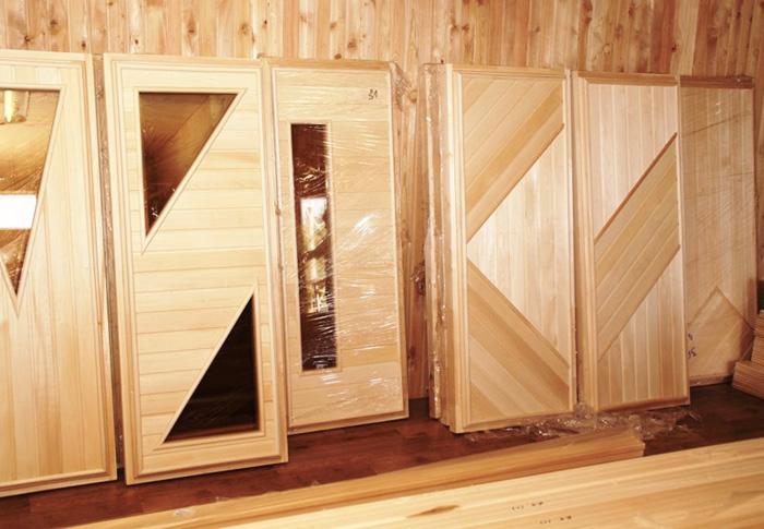 Двери на баню своими руками