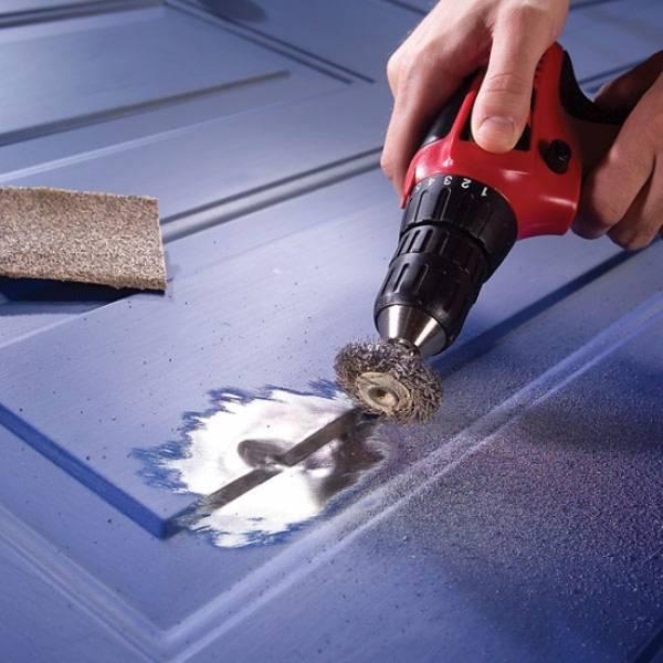 Как очистить металлическую дверь от старой краски