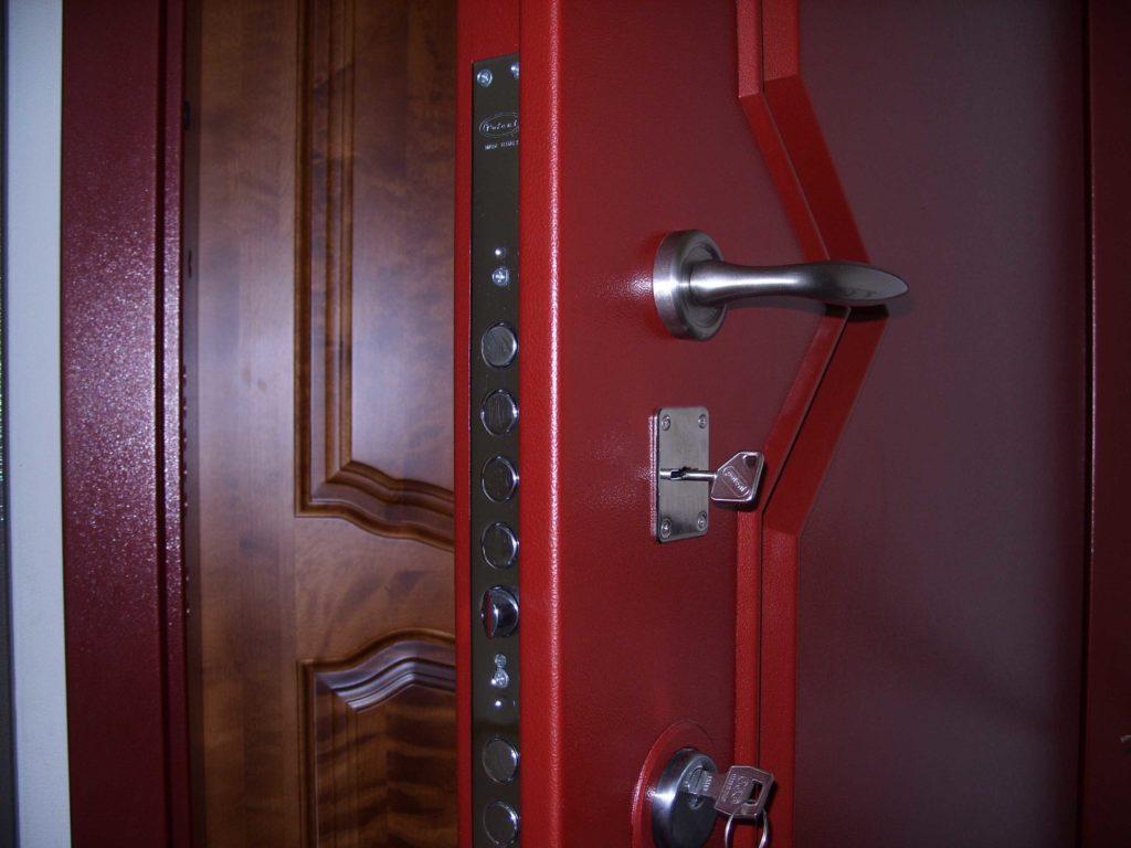 выбрать входную металлическую дверь