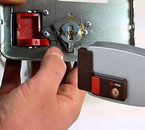 Кодовый замок для входных дверей - монтаж