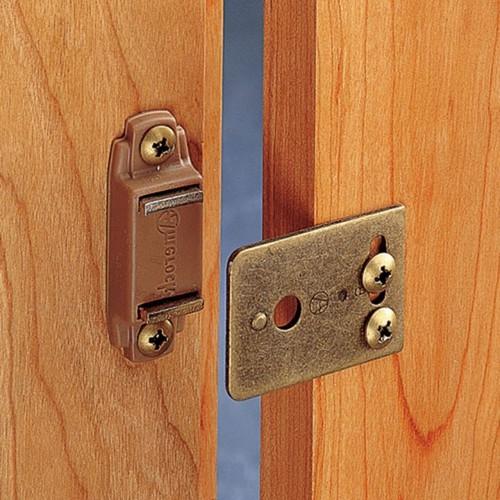 Магнитный замок на дверь: установка и принцип действия.