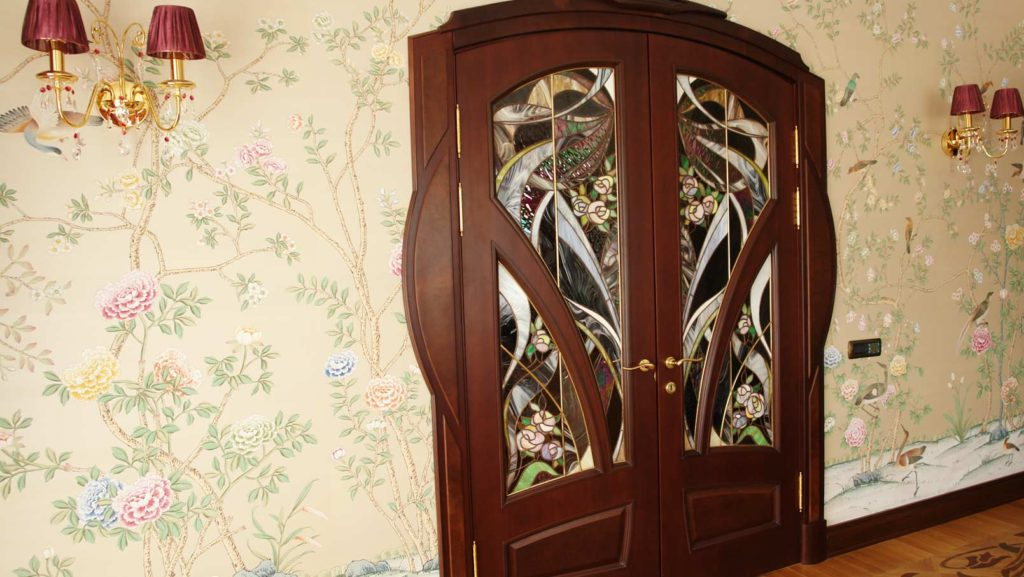 Межкомнатные двери витраж