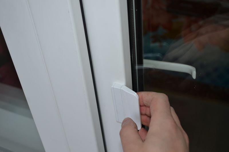 Заклинило пластиковую дверь на балкон
