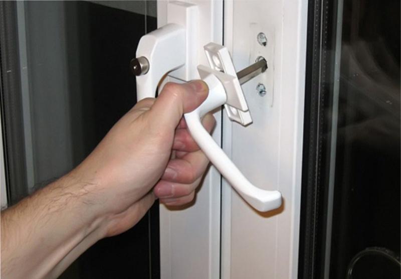 Не открывается дверь на балкон