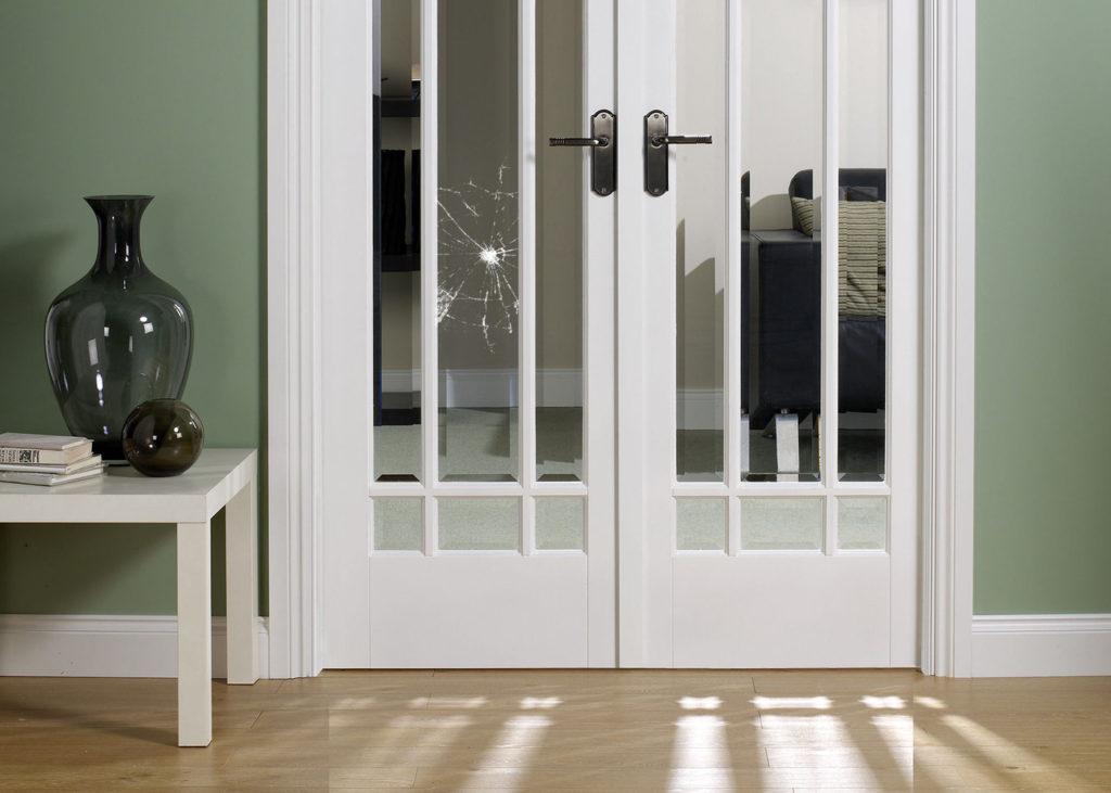 Замена стекла в межкомнатной двери 1
