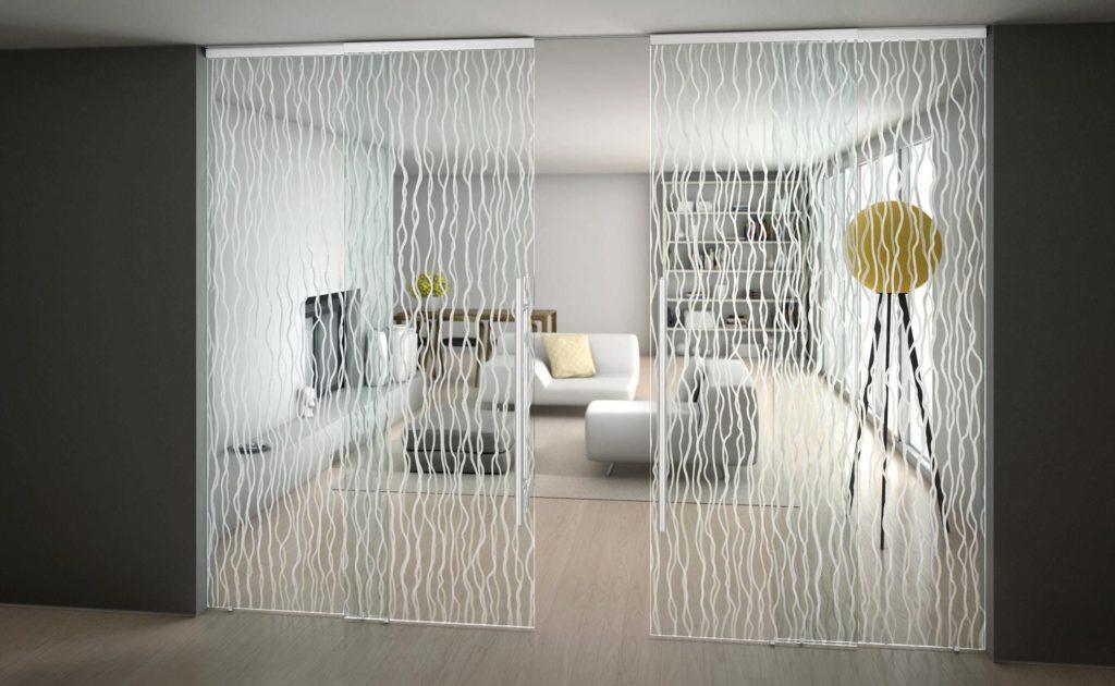 Замена стекла в межкомнатной двери - выбор материала