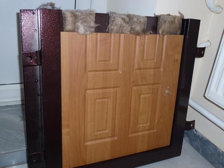 Внутренняя звукоизоляция двери