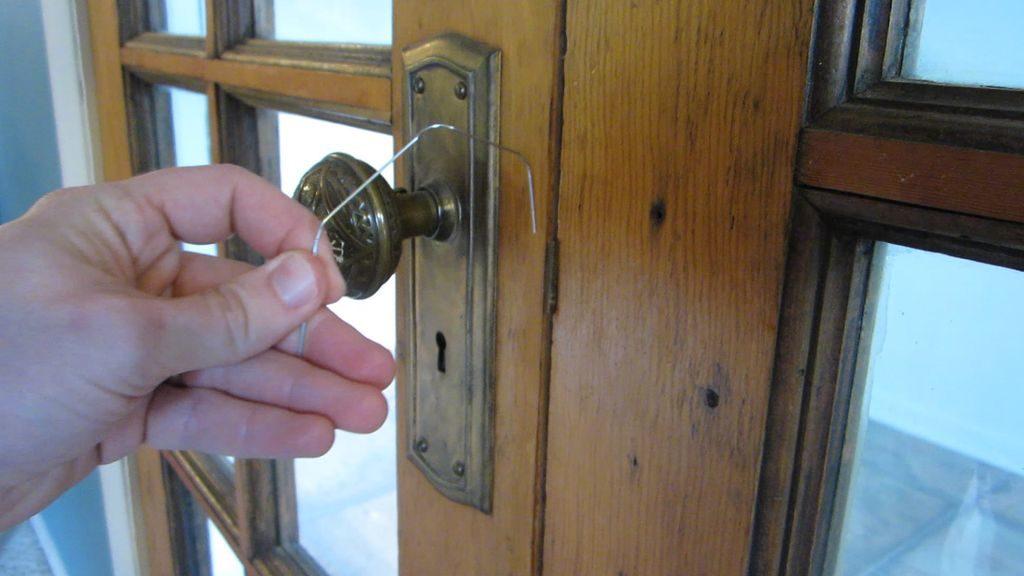 Как сделать чтобы входная дверь закрывалась тихо