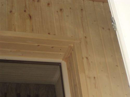 Откосы входной двери из деревянной вагонки