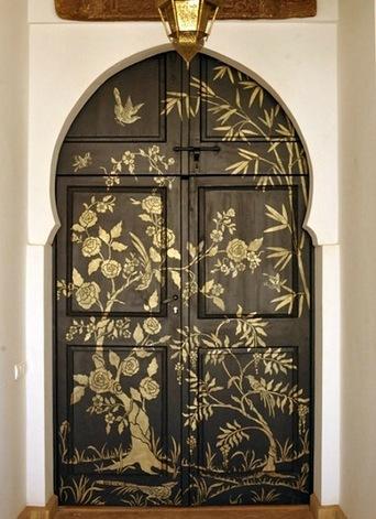 Оригинальные способы декора деревянных дверей