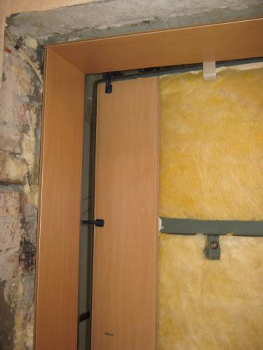 Отделка двери ламинатом