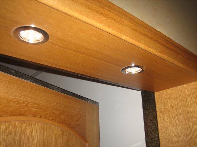 Откосы входной двери с подсветкой